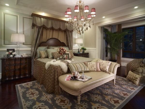 优美的弧形造型墙搭配着窗幔,一种唯美、浪漫的感觉。