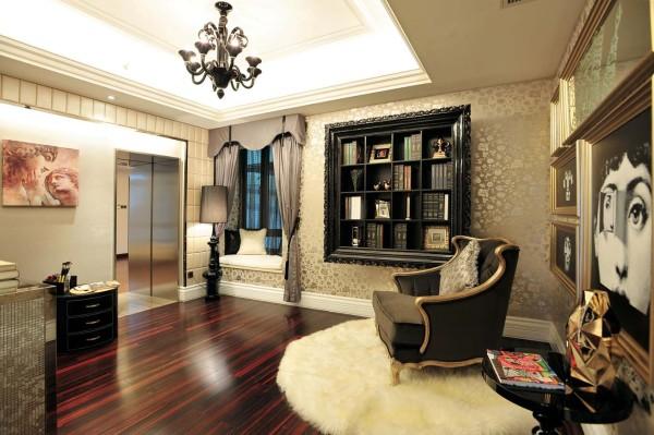 使用淡黄色作为大厅中的背景墙颜色,并且在室内大厅正中央的设计精致,豪华的吊灯,和淡黄色的墙体互相照应,给室内呈现出一种温馨,舒适的氛围。