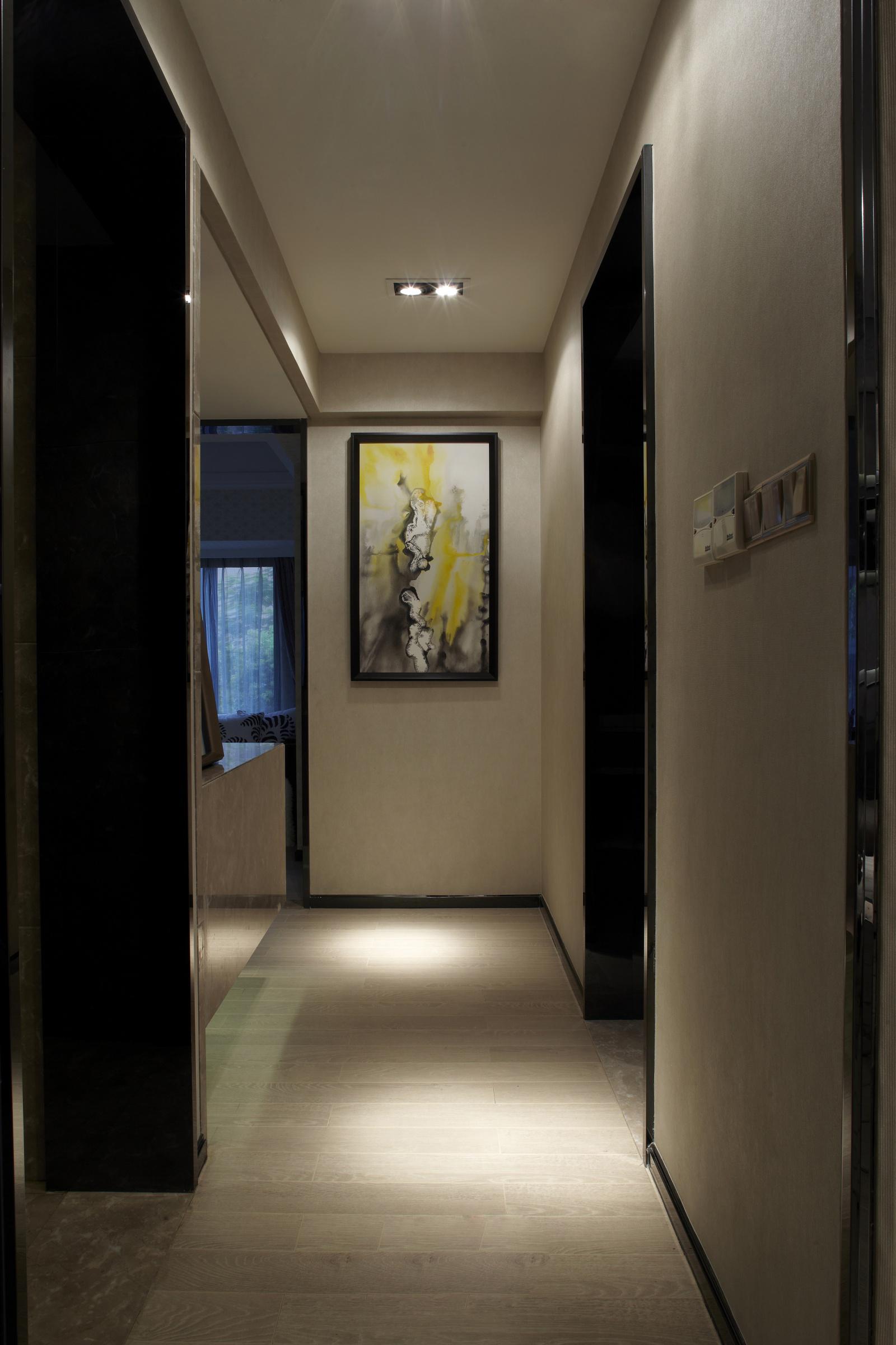 二居 简约 玄关图片来自百合居装饰工程有限公司在现代简约 蓝都会的分享