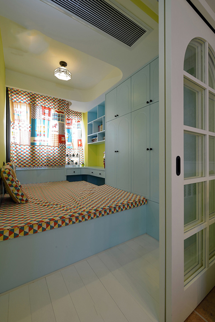 卧室图片来自159xxxx8729在小户型精致地中海 海海生动的分享