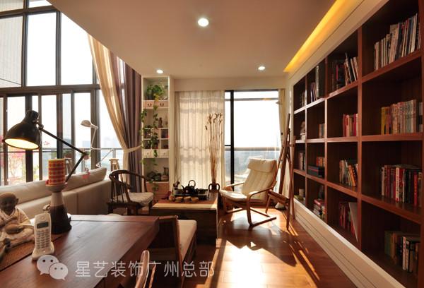 一把简约版的太师椅、一壶清茶、书架上的一抹新绿、还有透过窗帘的一米阳光。