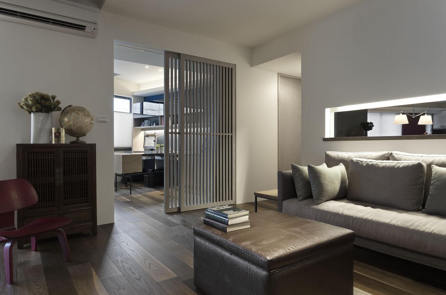 简约 混搭 三居 白领 旧房改造 客厅图片来自紫禁尚品国际装饰公司在现代简约生活感十足的分享