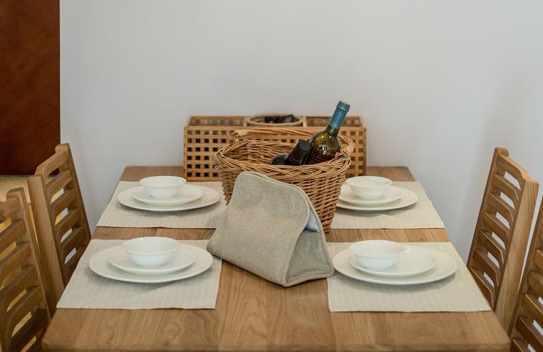 日式 质朴 原木生活 回归自然 木质原味 餐厅图片来自佰辰生活装饰在畅享木质生活 89平日式质朴小窝的分享