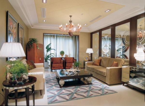 对称的沙发背景墙的设计很大气,搭配着时尚且复古的家具。