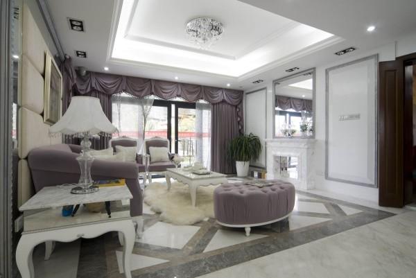 地面的拼花和墙面的造型设计,让整体的空间看起来大气、美观。