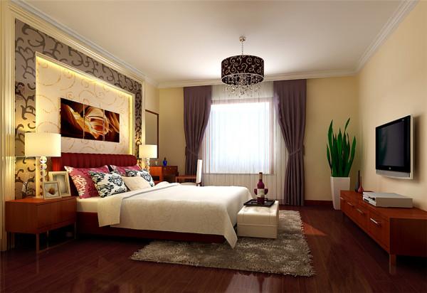 本案专门针对这一生活方式做了细致的设计,客厅的电视背景墙采用高贵的紫色烤漆玻璃加上皮革纹理的装点,体现刚柔的结合让空间看起来更明亮和宽阔。
