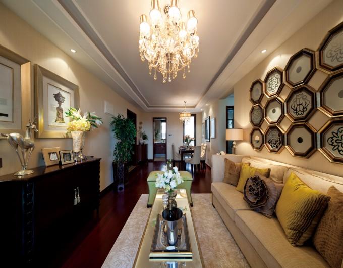 欧式 温馨 大气 三居 别墅 白领 80后 客厅 客厅图片来自德瑞意家装饰俎越在搭配合理的欧式完美境界的分享
