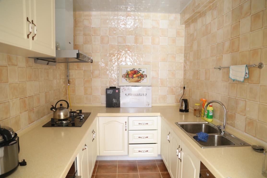 三居 欧式 简约 厨房图片来自四川岚庭装饰工程有限公司在118平三室两厅❤简欧❤10万全包的分享