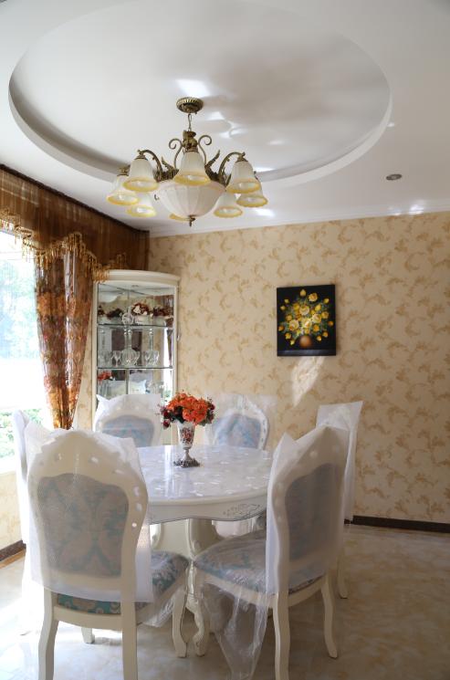 三居 欧式 简约 餐厅图片来自四川岚庭装饰工程有限公司在118平三室两厅❤简欧❤10万全包的分享