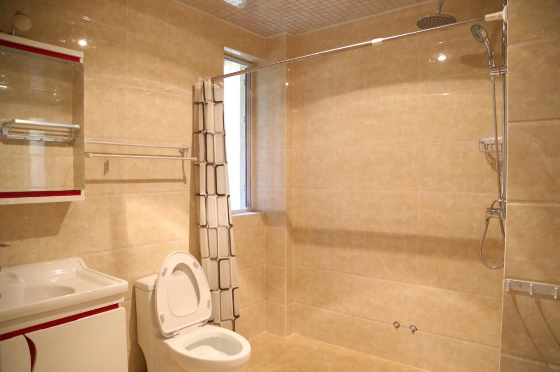 三居 欧式 简约 卫生间图片来自四川岚庭装饰工程有限公司在118平三室两厅❤简欧❤10万全包的分享