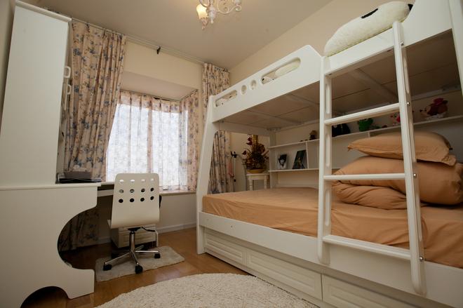 二居 儿童房图片来自四川岚庭装饰工程有限公司在70㎡唯美地中海,套二变套三的分享