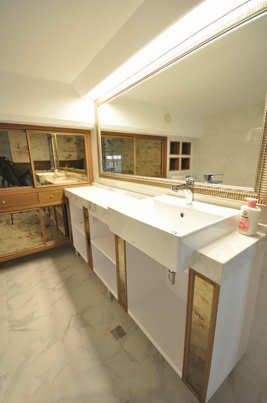 卫生间图片来自四川岚庭装饰工程有限公司在暖心轻推 53平地中海摇篮的分享