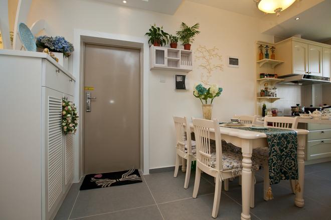 二居 餐厅图片来自四川岚庭装饰工程有限公司在70㎡唯美地中海,套二变套三的分享