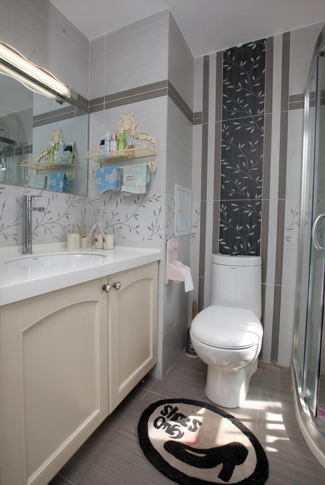 二居 卫生间图片来自四川岚庭装饰工程有限公司在70㎡唯美地中海,套二变套三的分享