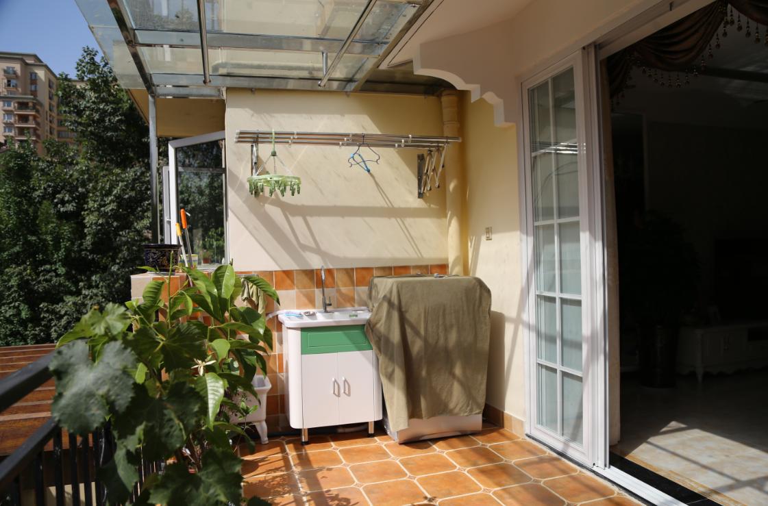 三居 欧式 简约 阳台图片来自四川岚庭装饰工程有限公司在118平三室两厅❤简欧❤10万全包的分享