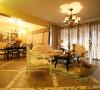 客厅选用的是地砖,斜铺的方式加上走边,风格立马显现。