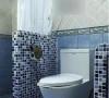蓝色的马赛克砖经常会出现在地中海风格中,放在这里也是毫无违和感。 更多户型案例请添加q:781378754获取。如需装修报价,请编辑短信:小区名称+房屋面积+装修要求到13653826244,五分钟内回复报价。