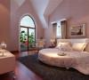 作为业主自己使用,卧室既不能太过鲜艳又走失欧式的风格,同时还要凸显客户这种成功人士的稳重气质。
