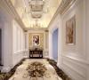 洛可可风格纤巧的曲线,华丽的装饰。以及路易十六式精炼典雅的平直表面,旨在追求自然舒展的心情,明快轻松的感受。营造轻盈优美,安逸舒适的家庭氛围。
