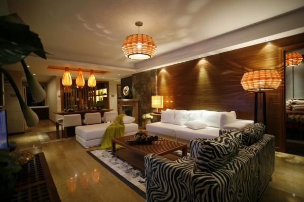 餐厅的设计与客厅的设计相互呼应,没有复杂的造型,简单的家具与灯具的搭配,一种温馨的设计质感。