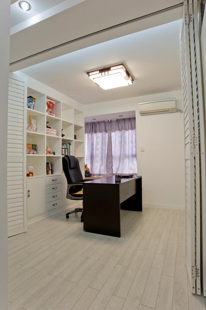 二居 简约 书房图片来自四川岚庭装饰工程有限公司在绿地468现代两居的分享