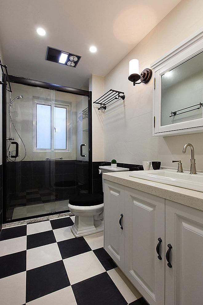三居 卫生间图片来自四川岚庭装饰工程有限公司在8.2万半包三房二厅小美式风格的分享