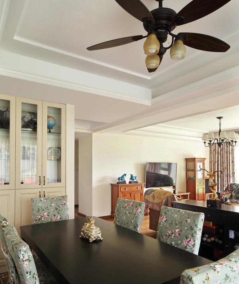 餐厅图片来自家装大管家在淡雅舒适 169平现代主义清爽4居的分享