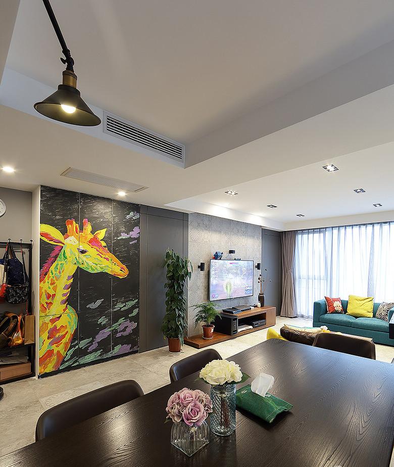 客厅图片来自家装大管家在105平三室两厅 打造北欧风格豪宅的分享