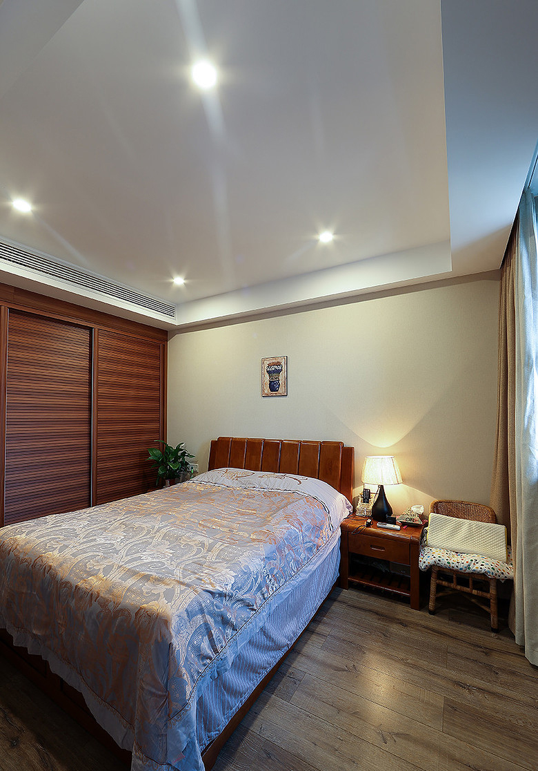 卧室图片来自家装大管家在105平三室两厅 打造北欧风格豪宅的分享