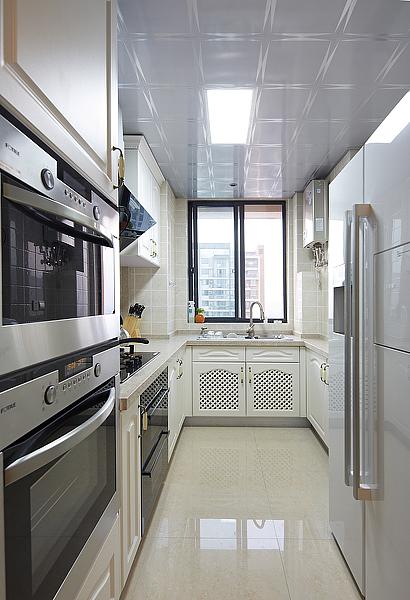 三居 欧式 厨房图片来自四川岚庭装饰工程有限公司在105平简欧三室二厅的分享