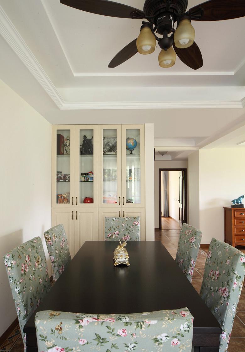 客厅图片来自家装大管家在淡雅舒适 169平现代主义清爽4居的分享