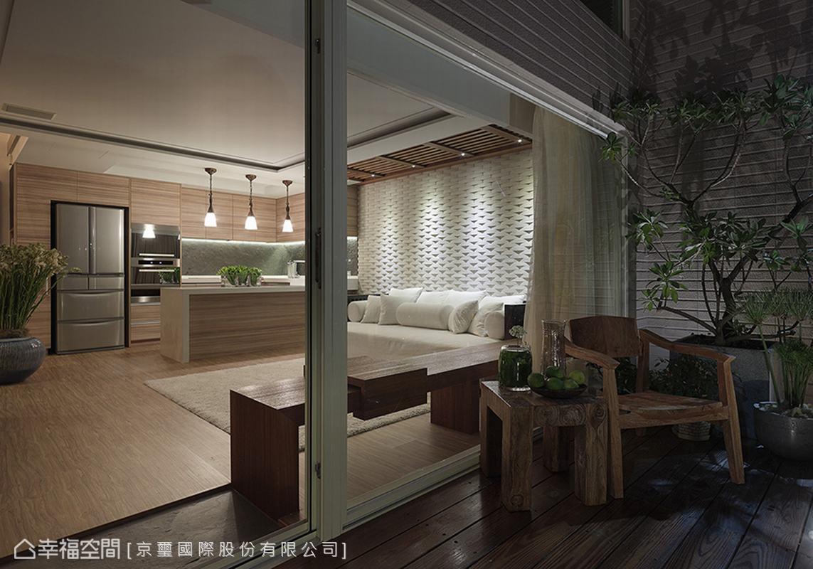 白领 简约 阳台图片来自幸福空间在150平峇里岛顶级酒店渡假!的分享