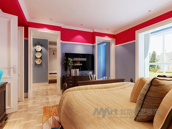 设计之初,通过对空间整体布局的了解,设计师决定将二楼的两个卧室打通,将空间重组,从而扩大了主卧的面积,增加衣帽间区域,让二楼的使用功能更加明确,让每个领域都有自己的价值。