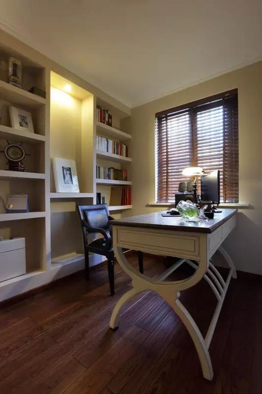 日升装饰 书房图片来自装修设计芳芳在宁静安逸现代大户型的装修设计的分享