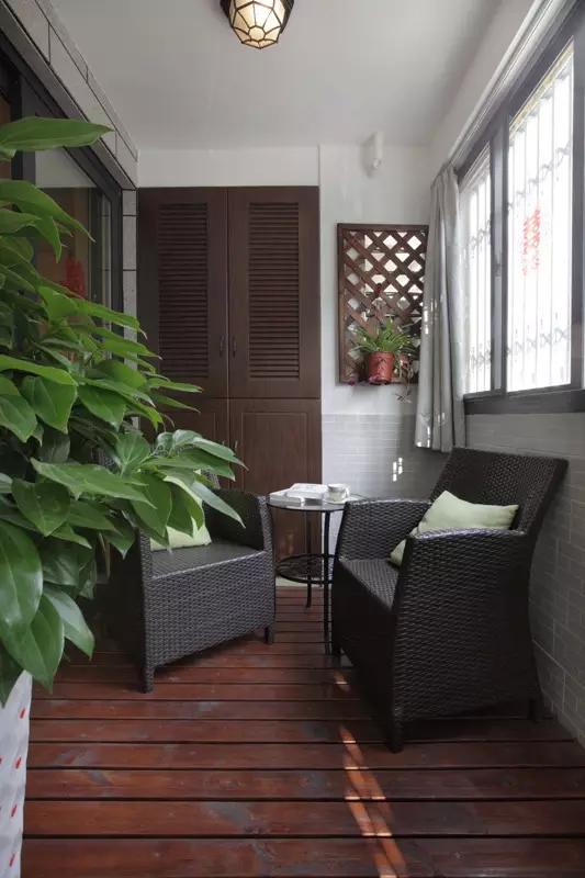 日升装饰 阳台图片来自装修设计芳芳在宁静安逸现代大户型的装修设计的分享