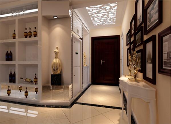 门厅吊顶突出凹凸感,优美的弧线,两种造型相映成趣,风情万种,使得整体空间更具有强烈的西方传统审美气息