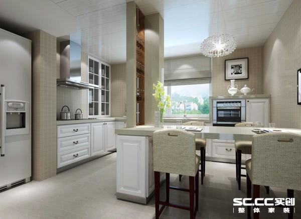 厨房设计: 因业主在国外生活多年,习惯餐厅与厨房相互融合,故扩大厨房的面积。因原厨房管道位置在厨房中间,设计师将管道包成红酒杯架,既起到装饰作用,同时也能很好的利用两根管道之间的区域。