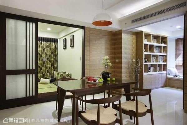 位居核心地带的餐厅段落,藉以双轴式的动线与视野辅助设定,一举释放空间有限性。