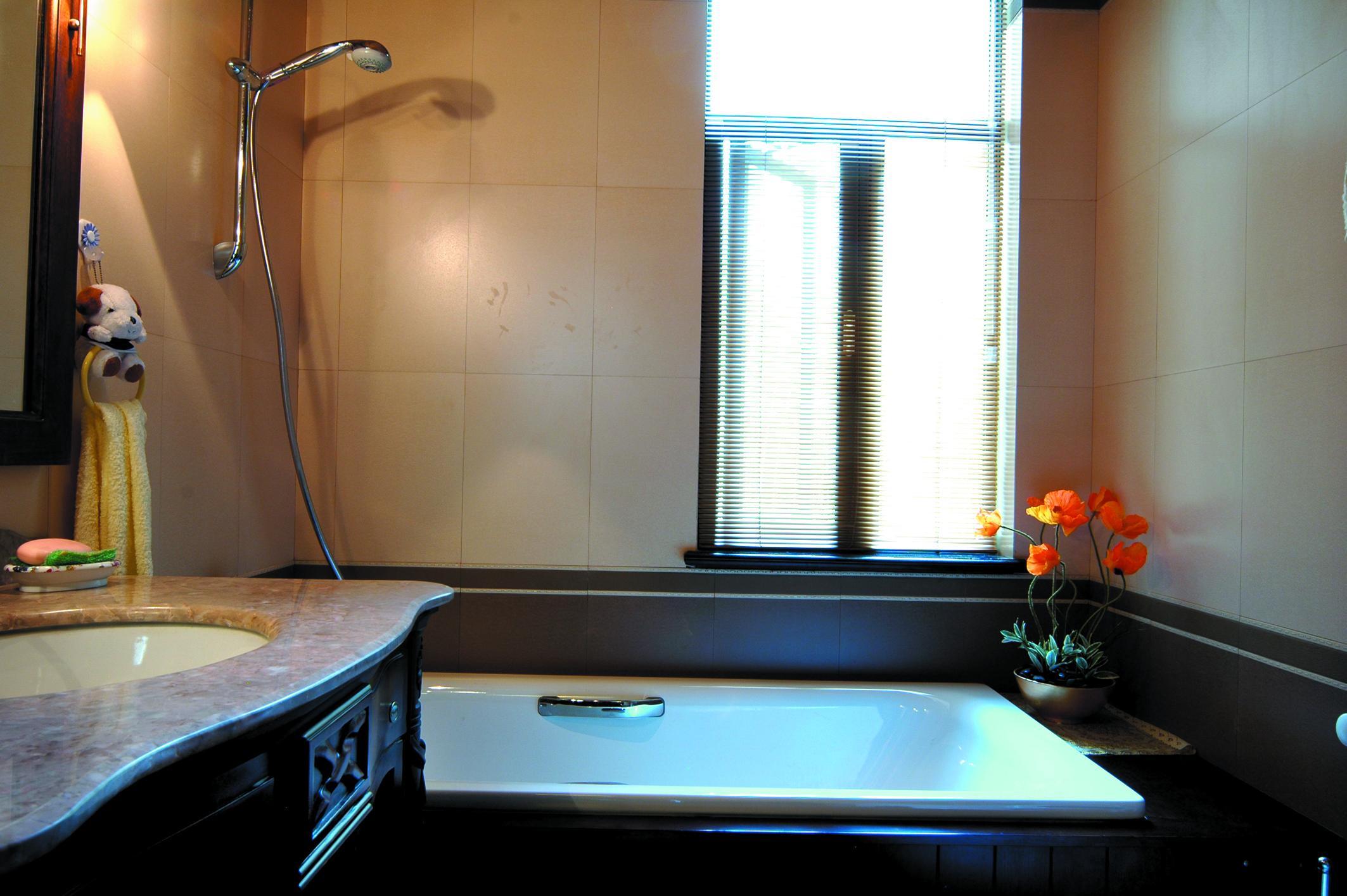 别墅 收纳 小资 卫生间图片来自广州生活家家居在东南亚风格的分享