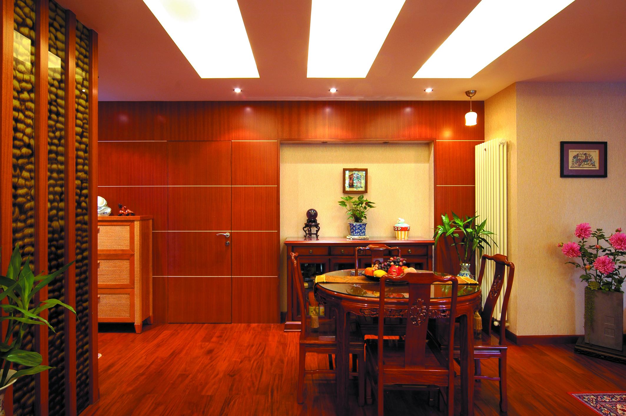 别墅 收纳 小资 餐厅图片来自广州生活家家居在东南亚风格的分享