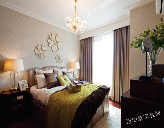 欧式 三居 小资 白领 温馨 时尚 客厅 卧室 舒适 卧室图片来自德瑞意家装饰公司在案例展示搭配合理的欧式完美境界的分享