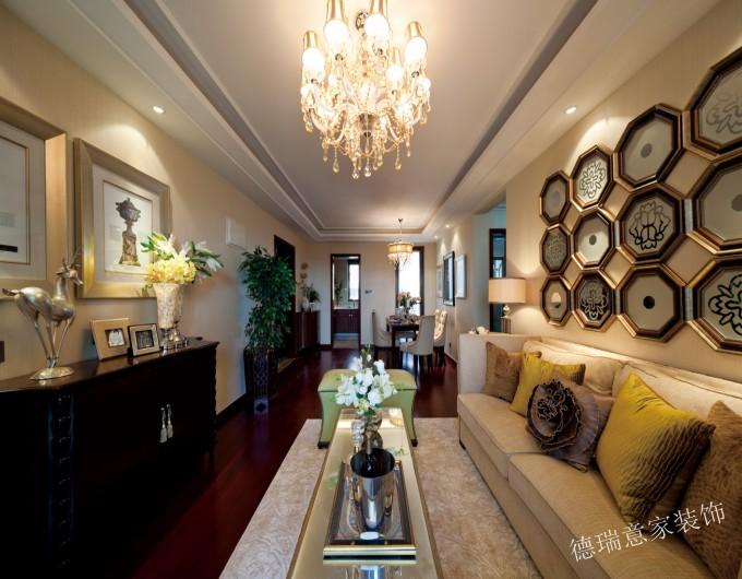 欧式 三居 小资 白领 温馨 时尚 客厅 卧室 舒适 客厅图片来自德瑞意家装饰公司在案例展示搭配合理的欧式完美境界的分享