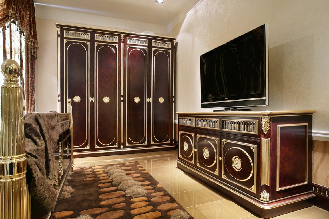 卧室图片来自广州生活家家居在梵豪森五宅样品房-凤凰庄园的分享