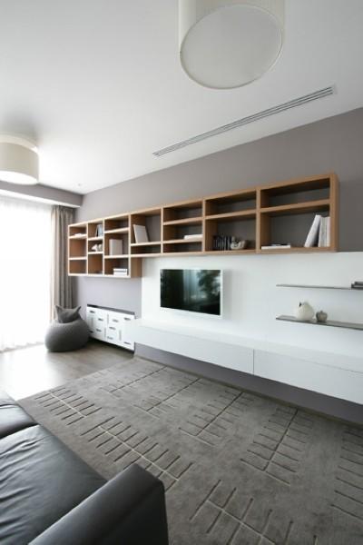"""客厅秉承了大尺度、大空间的理念,重新诠释了""""宽敞""""的定义。落地窗增加室内采光,开阔空间视野。"""