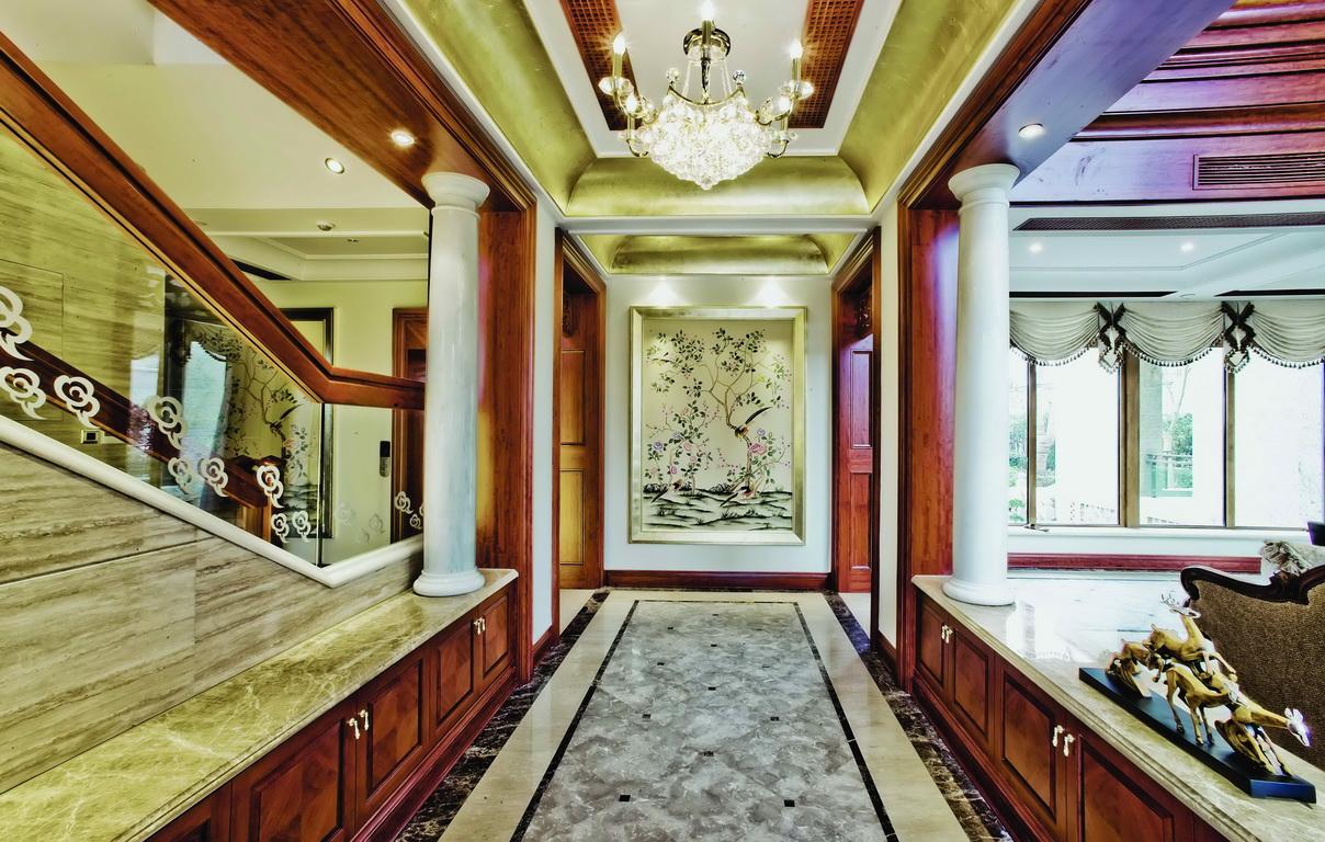 欧式 别墅 收纳 小资 玄关图片来自广州生活家家居在经典欧式的分享