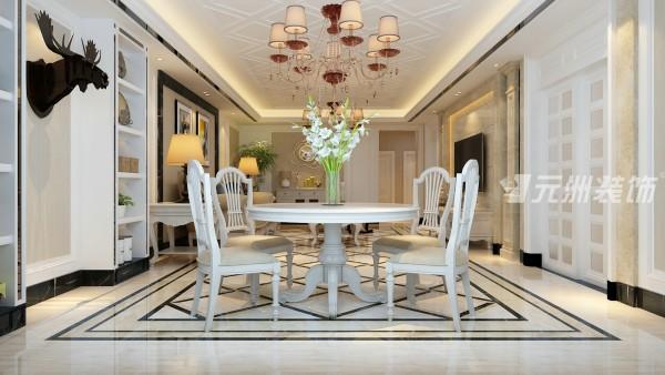 餐厅本身与客厅一字厅以通透感去做,使得空间更大更流畅。
