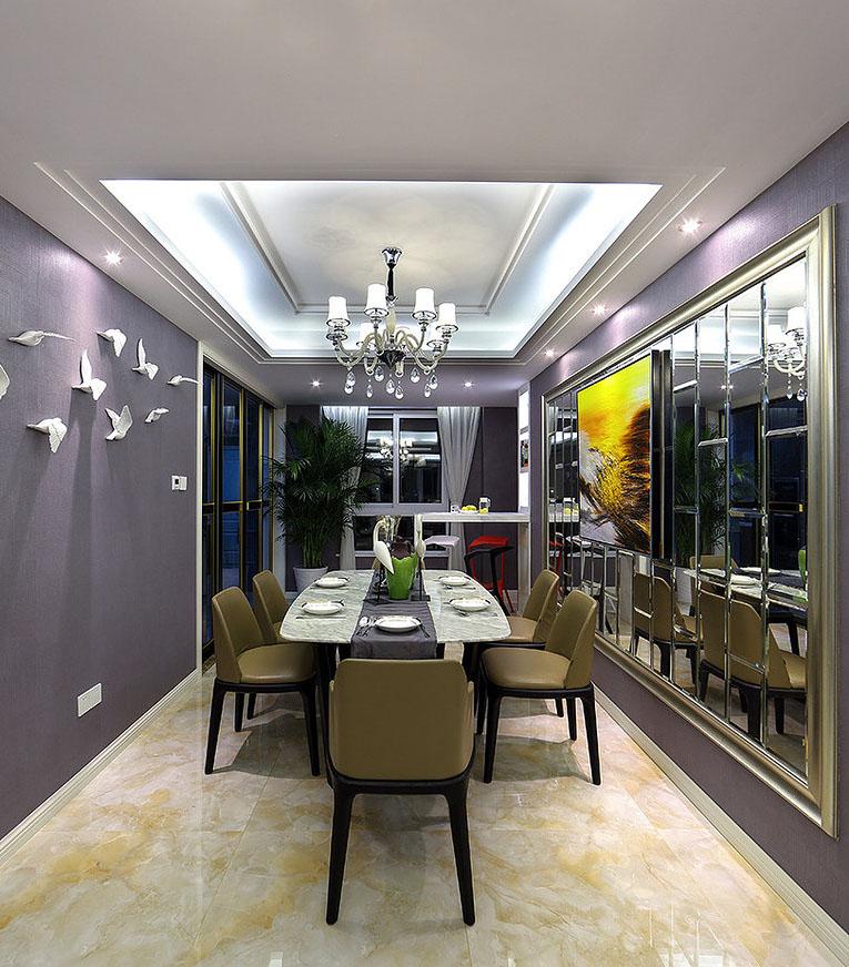 餐厅图片来自家装大管家在爱上一个城市 160平现代港式3居的分享