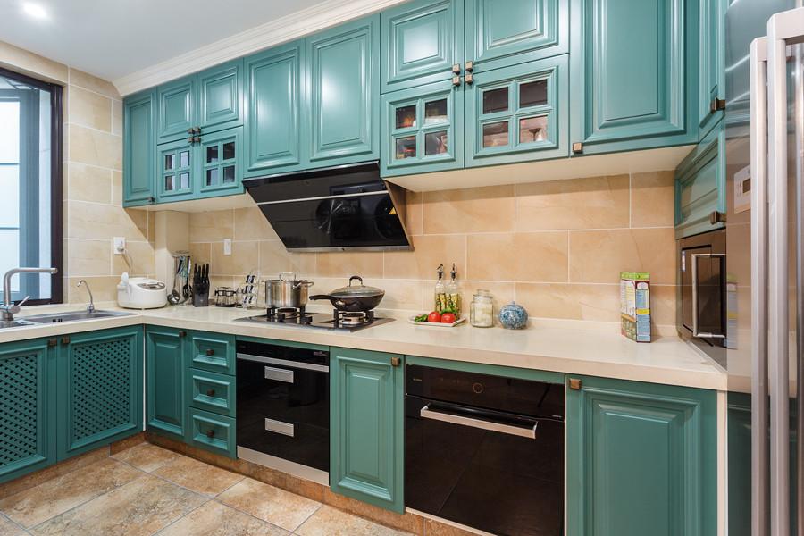 厨房整装效果