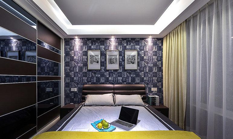 卧室图片来自家装大管家在爱上一个城市 160平现代港式3居的分享