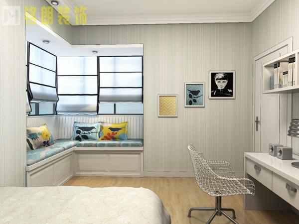 一个休闲空间。得到了业主的喜爱,吊顶设计运用石膏板线刷白色乳胶漆的设计,使整个空间更具有层次感。浅色纯色浅灰壁纸的整体搭配,无论是后期搭配家具,都会比较合适。是最为流行的中性色。
